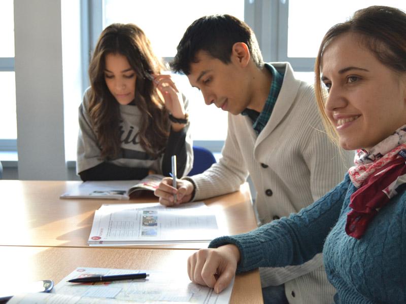 Mejora tu bienestar en clase con nuestra psicóloga en Málaga
